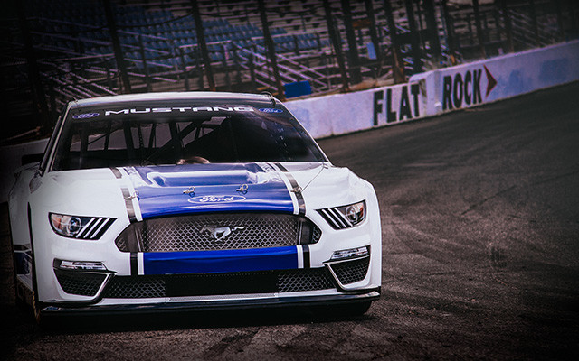 Ford Nascar Mustang Revealed World S Best Selling Sports Coupe